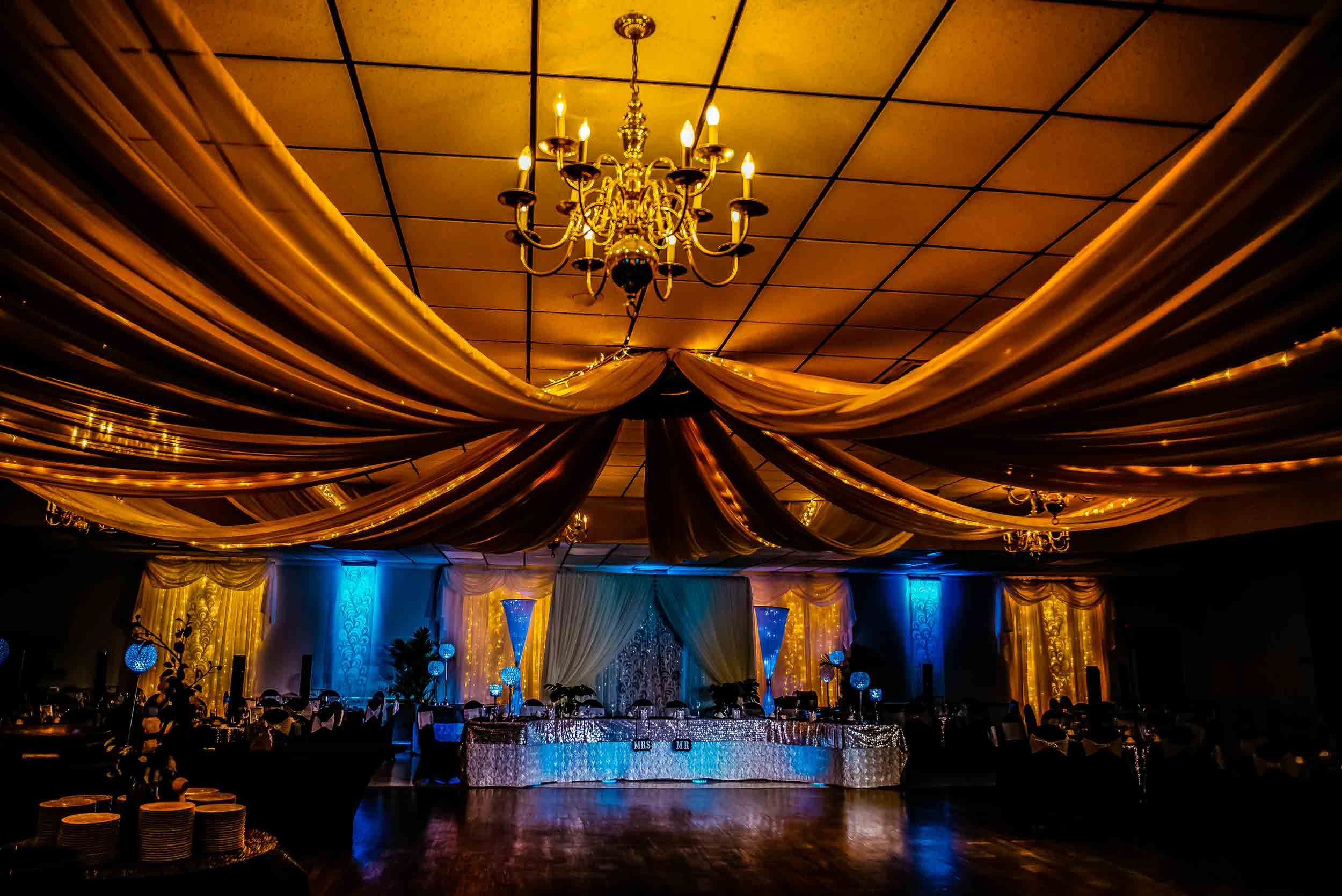 We offer full event planning/coordination and decoration services!